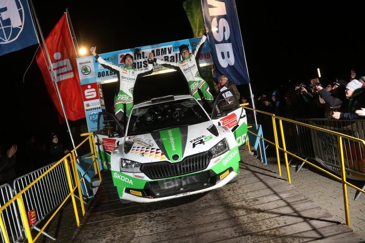 perfektes saisonfinale skoda auto deutschland pilot kreim siegt erneut bei deutschlands wichtigster schotter rallye - Perfektes Saisonfinale: SKODA AUTO Deutschland Pilot Kreim siegt erneut bei Deutschlands wichtigster Schotter-Rallye